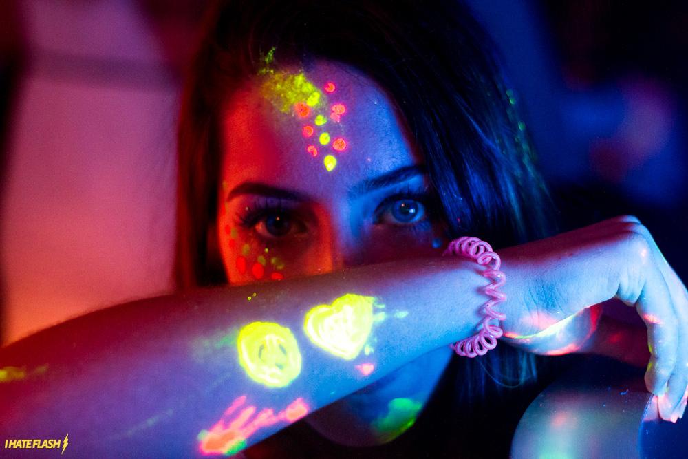 decoracao festa glow:GLOW IN THE HOUSE: SUA SEXTA-FEIRA MERECE BRILHAR AINDA MAIS!
